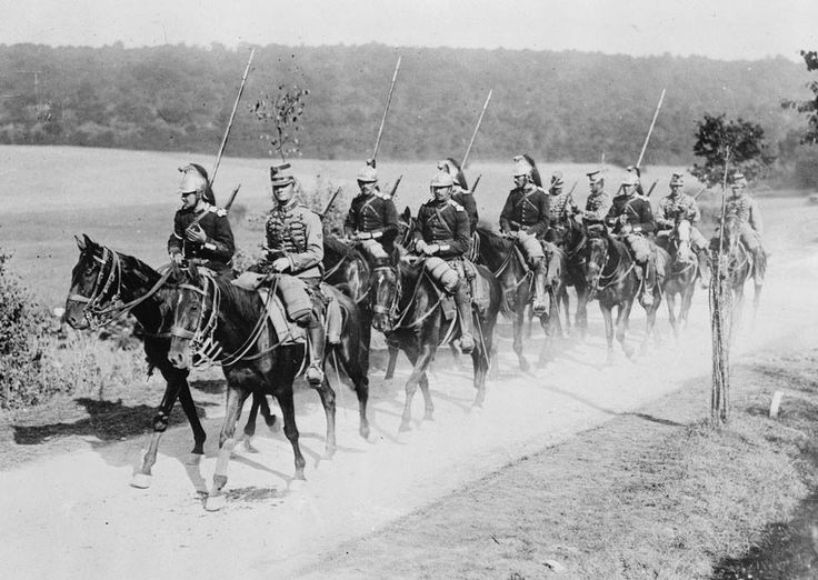 French cavalry wearing Napoleonic style uniforms, in 1914